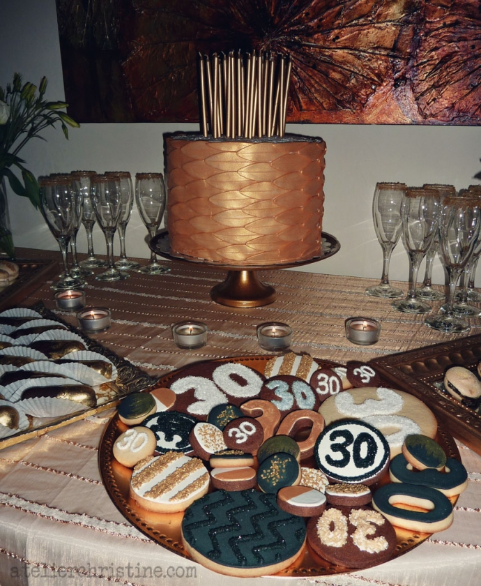 atelierchristine.com-christinebedrossian-shop-goldfondantcake-handmade-artisanalcookies-decoratedcookie- 30thbirthday-partyideas-soiree-cocktailparty-desserttable-black-white-gold-chevron-stripes02