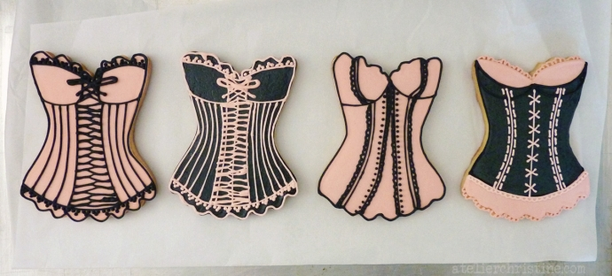 le Shoppe @ l'Atelier de Christine | Pink + Black Corset Decorated Cookies for a Bachelorette Party