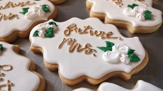 le Shoppe | Greenery Decorated Sugar Cookies for a  Winter Bridal Shower